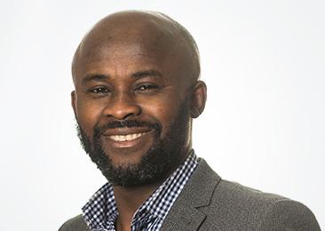 Cecil Buekor